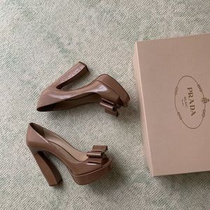 Authentic - Prada Patent Cammeo Pumps with bow